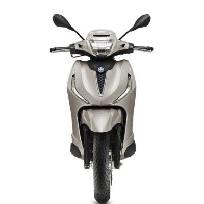 03-Piaggio-Beverly-300-hpe-768x1075